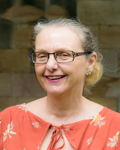 Dr Peri O'Shea